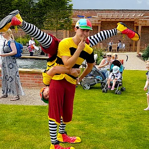 alice in wonderland themed performers hire uk
