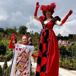 Queen of hearts walkabout act