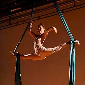 cirque du soleil themed aerial performer hire uk