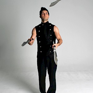 knife juggling performer hire uk