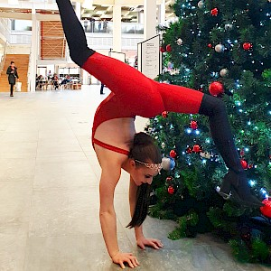 circus contortionist hire uk